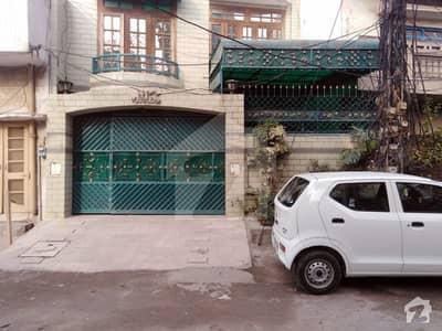 اچھرہ لاہور میں 5 کمروں کا 10 مرلہ مکان 2.2 کروڑ میں برائے فروخت۔