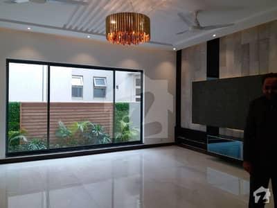 ڈی ایچ اے فیز 6 ڈیفنس (ڈی ایچ اے) لاہور میں 4 کمروں کا 10 مرلہ مکان 95 ہزار میں کرایہ پر دستیاب ہے۔