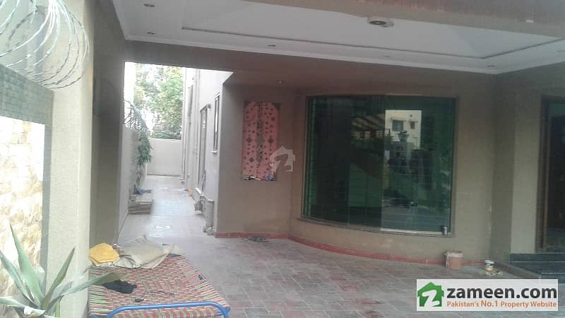 Azeem Estate Offers A Low Price Kanal Bungalow For Rent
