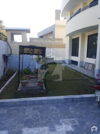 ایف ۔ 11/3 ایف ۔ 11 اسلام آباد میں 10 کمروں کا 2 کنال مکان 3.5 لاکھ میں کرایہ پر دستیاب ہے۔
