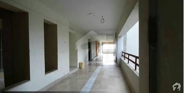 ای ۔ 11 اسلام آباد میں 3 کمروں کا 10 مرلہ فلیٹ 1.4 کروڑ میں برائے فروخت۔
