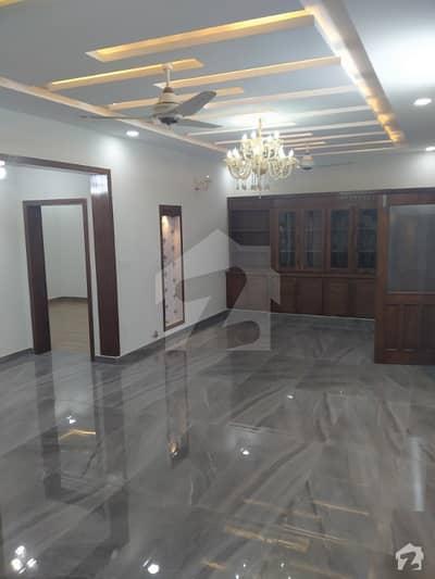 جی ۔ 13/2 جی ۔ 13 اسلام آباد میں 7 کمروں کا 11 مرلہ مکان 3.55 کروڑ میں برائے فروخت۔