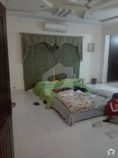 ڈی ایچ اے فیز 5 ڈیفنس (ڈی ایچ اے) لاہور میں 3 کمروں کا 1 کنال زیریں پورشن 70 ہزار میں کرایہ پر دستیاب ہے۔