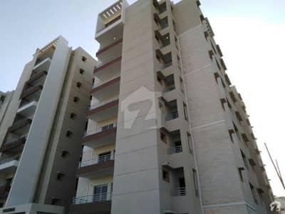 نیوی ہاؤسنگ سکیم کارساز کراچی میں 5 کمروں کا 16 مرلہ فلیٹ 1.35 لاکھ میں کرایہ پر دستیاب ہے۔