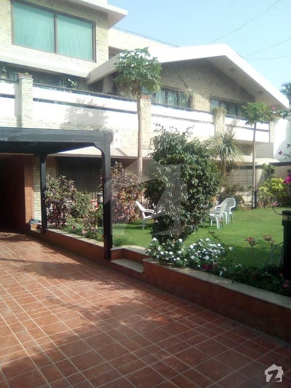 کلفٹن ۔ بلاک 5 کلفٹن کراچی میں 11 کمروں کا 2 کنال مکان 25 کروڑ میں برائے فروخت۔
