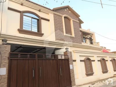 8 MARLA HOUSE AVAILABLE FOR SALE