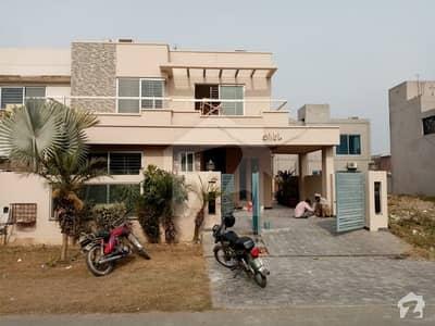 ڈی ایچ اے فیز 5 - بلاک ایل فیز 5 ڈیفنس (ڈی ایچ اے) لاہور میں 4 کمروں کا 10 مرلہ مکان 1.25 لاکھ میں کرایہ پر دستیاب ہے۔