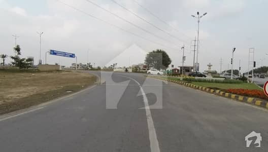 1 Kanal Next To Corner Plot For Sale In T Block Of DHA Phase 8 Lahore