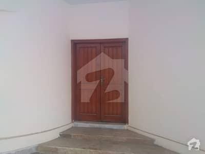 کلفٹن ۔ بلاک 2 کلفٹن کراچی میں 6 کمروں کا 1.5 کنال مکان 2.6 لاکھ میں کرایہ پر دستیاب ہے۔