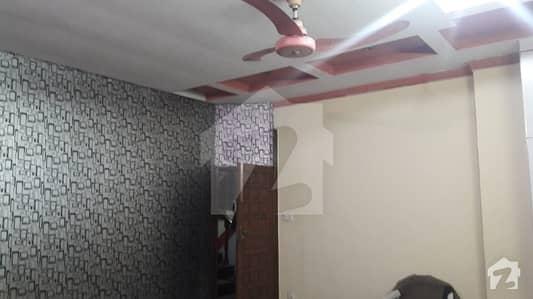 فردوس مارکیٹ گلبرگ لاہور میں 1 کمرے کا 10 مرلہ کمرہ 15 ہزار میں کرایہ پر دستیاب ہے۔