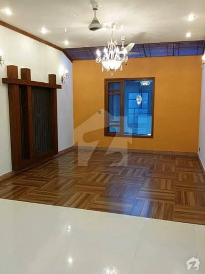 500 yards  5 Bedrooms Almost new  Banglow tiled flooring prime location 3 Car parking  Rent 280000 Irfan 03218273004