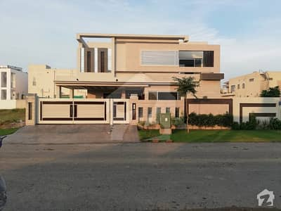 Leads Presenting 1 Kanal Lavish Bungalow On Prime Location In Phase 6