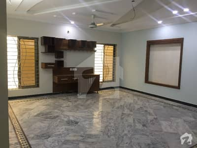 ڈی ایچ اے ڈیفینس فیز 2 ڈی ایچ اے ڈیفینس اسلام آباد میں 2 کمروں کا 1 کنال زیریں پورشن 35 ہزار میں کرایہ پر دستیاب ہے۔