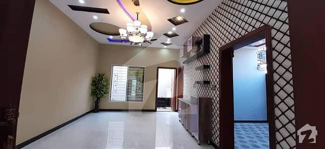 شالیمار کالونی ملتان میں 4 کمروں کا 6 مرلہ مکان 1 کروڑ میں برائے فروخت۔