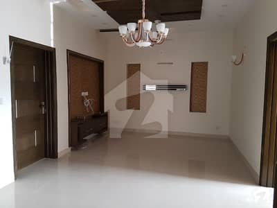 10 Marla House For Rent  In Bahria Town Lahore Sector C