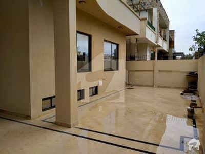 ای ۔ 11 اسلام آباد میں 9 کمروں کا 1 کنال مکان 3 لاکھ میں کرایہ پر دستیاب ہے۔