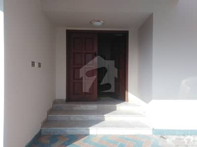 600 Yards 6 Bedrooms Well Maintained Hose For Rent In Dha Phase Near Bukhari Park