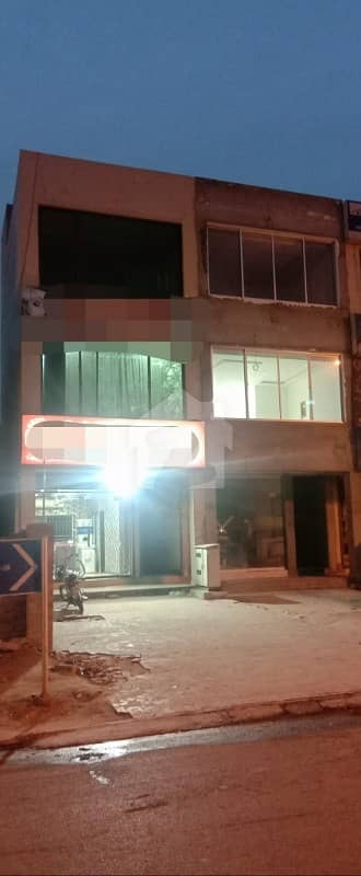 Hot Location Cc Commercial Plaza In Bahria Town