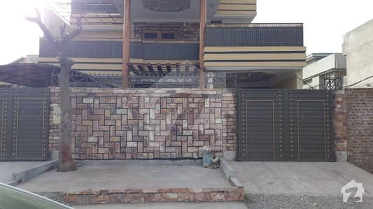 حیات آباد فیز 7 - ای7 حیات آباد فیز 7 حیات آباد پشاور میں 6 کمروں کا 10 مرلہ مکان 2.6 کروڑ میں برائے فروخت۔