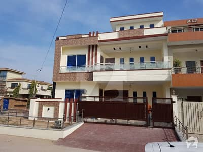 جی ۔ 13/4 جی ۔ 13 اسلام آباد میں 6 کمروں کا 11 مرلہ مکان 4.5 کروڑ میں برائے فروخت۔