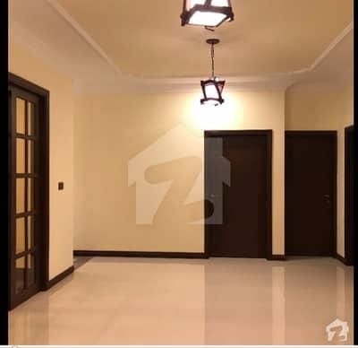 کلفٹن ۔ بلاک 3 کلفٹن کراچی میں 3 کمروں کا 10 مرلہ فلیٹ 1 لاکھ میں کرایہ پر دستیاب ہے۔