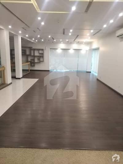 ایف ۔ 6 اسلام آباد میں 11 کمروں کا 1.07 کنال مکان 15 کروڑ میں برائے فروخت۔
