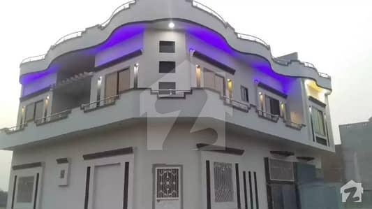 اسٹیڈیم روڈ ڈسکہ میں 5 کمروں کا 4 مرلہ مکان 90 لاکھ میں برائے فروخت۔