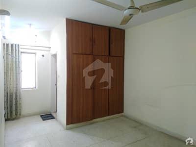 گلستانِِ جوہر ۔ بلاک 13 گلستانِ جوہر کراچی میں 3 کمروں کا 7 مرلہ فلیٹ 1.35 کروڑ میں برائے فروخت۔