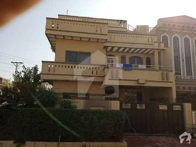 Triple Unit Corner House Is Available For Sale