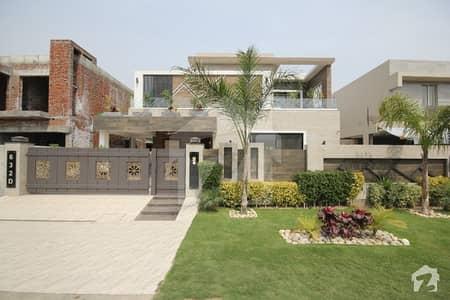 ڈی ایچ اے فیز 8 ڈیفنس (ڈی ایچ اے) لاہور میں 3 کمروں کا 1 کنال بالائی پورشن 53 ہزار میں کرایہ پر دستیاب ہے۔