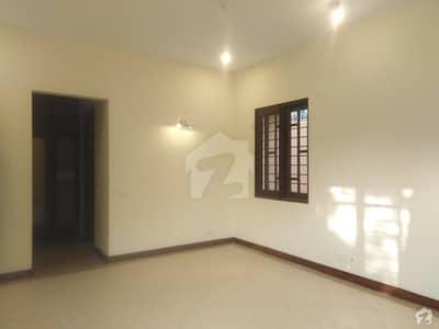 ڈی ایچ اے ڈیفینس کراچی میں 5 کمروں کا 1 کنال مکان 2.5 لاکھ میں کرایہ پر دستیاب ہے۔