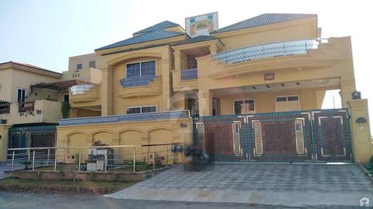 ڈی ۔ 12 اسلام آباد میں 9 کمروں کا 1.2 کنال مکان 10 کروڑ میں برائے فروخت۔