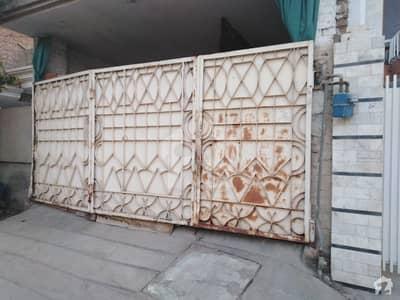 مہربان کالونی ملتان میں 3 کمروں کا 10 مرلہ مکان 2 کروڑ میں برائے فروخت۔