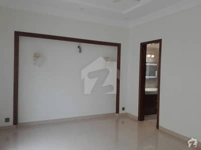 1 Kanal Lower Portion Available For Rent In EME Society
