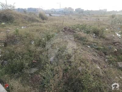 ای ۔ 11/4 ای ۔ 11 اسلام آباد میں 1 کنال رہائشی پلاٹ 4.05 کروڑ میں برائے فروخت۔