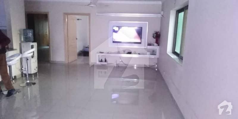 رحمان گارڈنز لاہور میں 3 کمروں کا 10 مرلہ فلیٹ 43 ہزار میں کرایہ پر دستیاب ہے۔