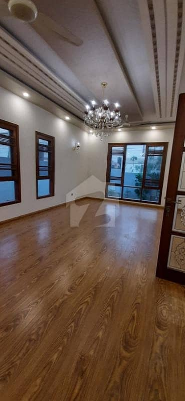 ڈی ایچ اے فیز 7 ڈی ایچ اے کراچی میں 6 کمروں کا 1 کنال مکان 11.5 کروڑ میں برائے فروخت۔