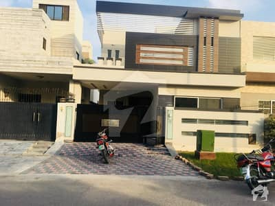 10 Marla Brand New Stylish Dubai Design Bungalow Near Park Masjid in DHA Phase 6