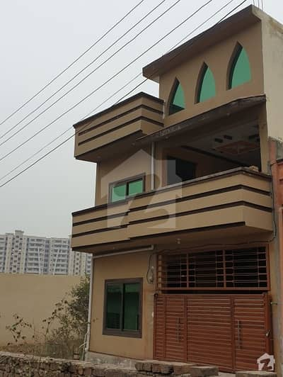 5 Marla Double Storey House For Sale In Royal Avenue