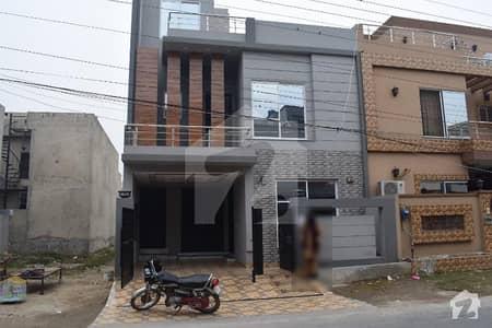 طارق گارڈنز لاہور میں 3 کمروں کا 5 مرلہ مکان 1.55 کروڑ میں برائے فروخت۔