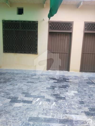 کینال روڈ پشاور میں 3 کمروں کا 5 مرلہ مکان 25 ہزار میں کرایہ پر دستیاب ہے۔