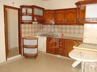 3 Bedrooms Renovated Flat in Clifton block 8