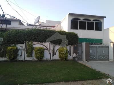 ماڈل ٹاؤن بلاک اے ماڈل ٹاؤن اے بہاولپور میں 5 کمروں کا 1 کنال مکان 4.5 کروڑ میں برائے فروخت۔