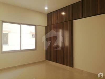 نیوی ہاؤسنگ سکیم کارساز کراچی میں 5 کمروں کا 16 مرلہ فلیٹ 6.8 کروڑ میں برائے فروخت۔