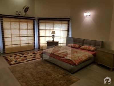 بحریہ ٹاؤن اسلام آباد میں 9 کمروں کا 4.5 کنال فارم ہاؤس 30 کروڑ میں برائے فروخت۔