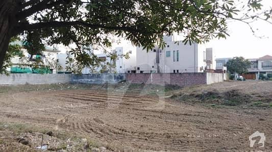 ڈی ایچ اے فیز 5 - بلاک ڈی فیز 5 ڈیفنس (ڈی ایچ اے) لاہور میں 1 کنال رہائشی پلاٹ 3.49 کروڑ میں برائے فروخت۔