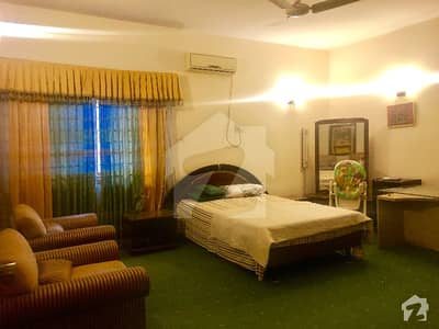 Luxury Paying Guest Room Is Available For Rent
