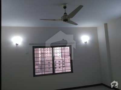 For Rent 9th floor 4 Bed Flat G9 Building with Lift west open