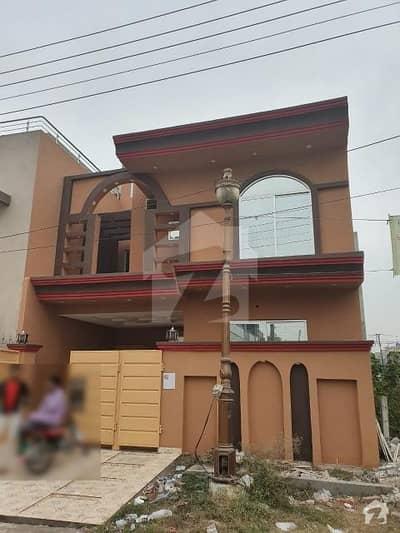 ایڈن بولیوارڈ ہاؤسنگ سکیم کالج روڈ لاہور میں 3 کمروں کا 5 مرلہ مکان 90 لاکھ میں برائے فروخت۔