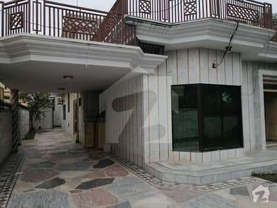 آئی ۔ 8/2 آئی ۔ 8 اسلام آباد میں 3 کمروں کا 1.2 کنال مکان 7.5 کروڑ میں برائے فروخت۔